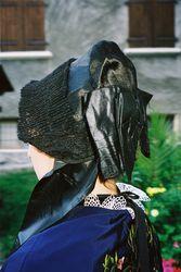 la coiffe noire